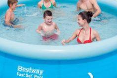 Letní osvěžení nabízí nafukovací bazén a malý dětský bazének